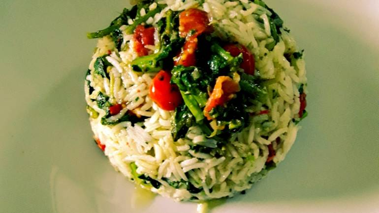 Riso basmati con broccolo fiolaro e pomodorini