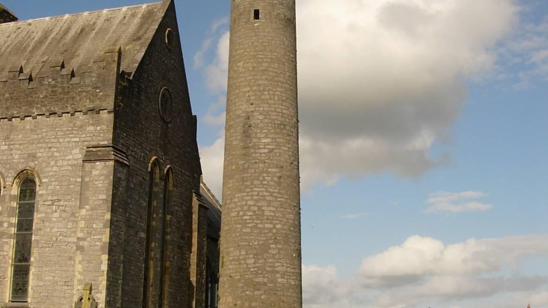 La cattedrale di St Canice a Kilkenny e la Torre rotonda